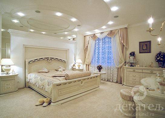 шторы в спальню фото классика