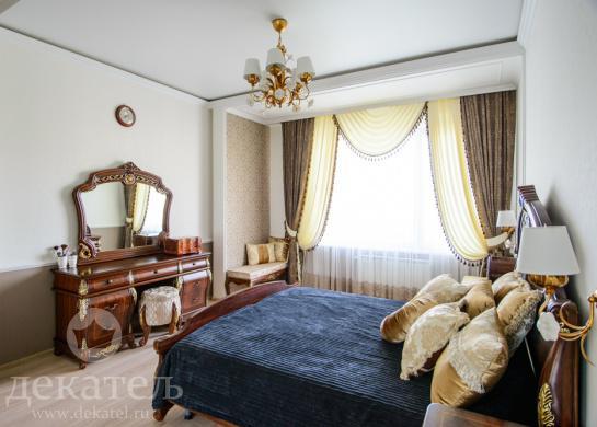 Фото элегантные шторы в классическую спальню 2015